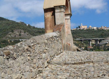 Taggia (IM) – edicola votiva di ponente del ponte medievale
